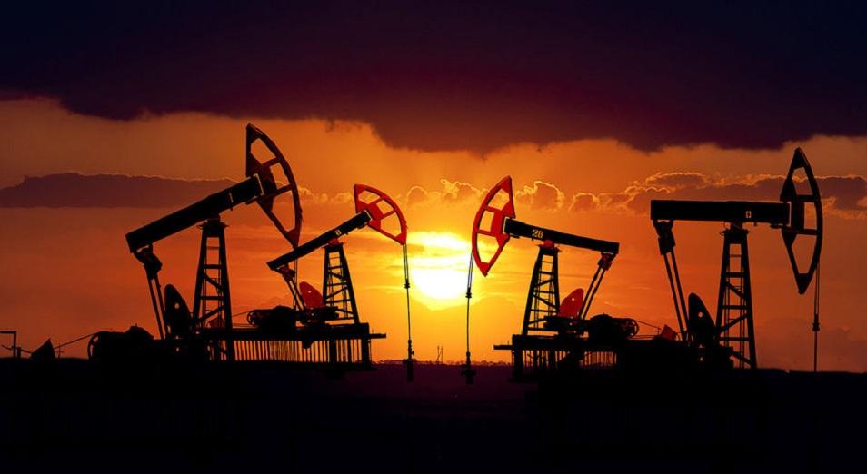 Нефть постепенно восстанавливается после падения накануне