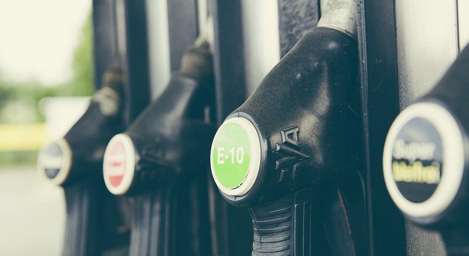 Недропользователи субсидируют внутренний рынок ГСМ для удержания цен на бензин