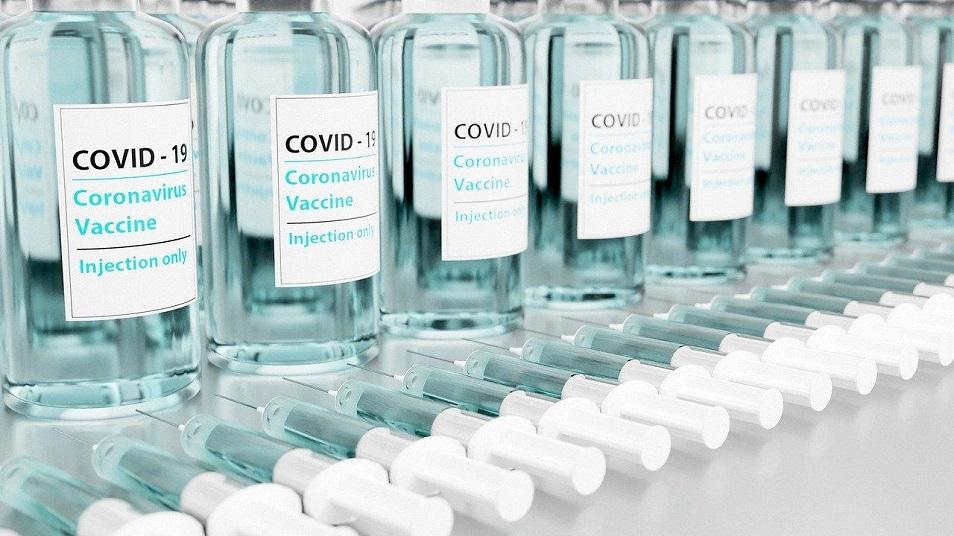 Вакциналар жаһанға ықпал етудің құралына айналды ма?