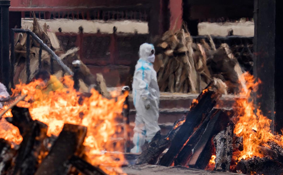Ганди Үндістандағы алапат вирус толқыны әлемге қатер төндіріп тұрғанын ескертті