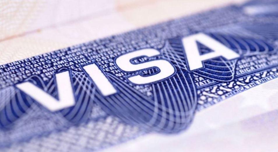 Названы ситуации, при которых иностранцам продлеваются сроки виз в Казахстане