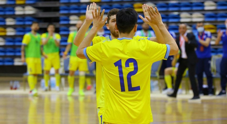ЧМ-2021: Казахстан вышел в плей-офф с первого места