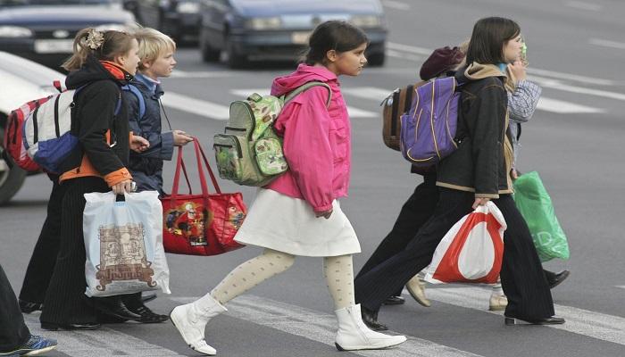 Казахстанским детям помогут собраться в школу