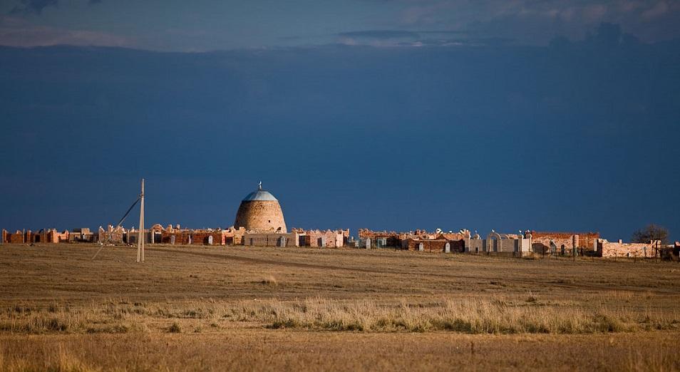 В Астане строят новое кладбище