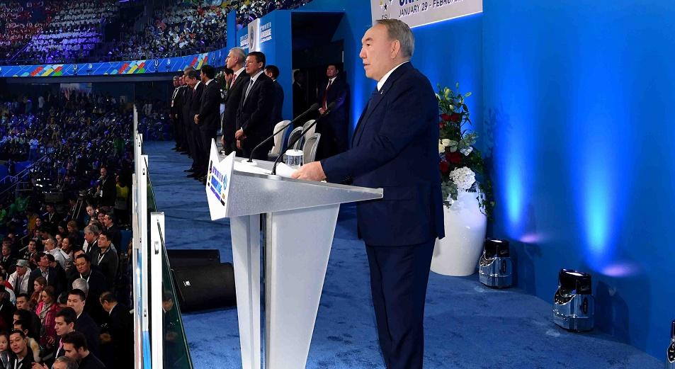 """Назарбаев: """"Снега в Алматы, слава Богу, хватает"""""""