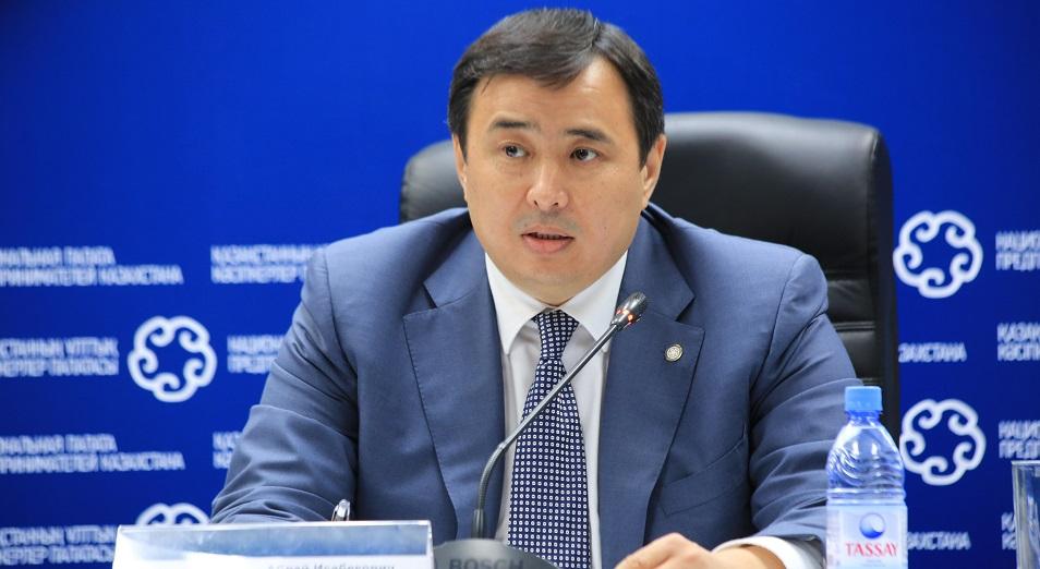 Аблай Мырзахметов предложил «кошмарить» налоговиков, а не бизнес