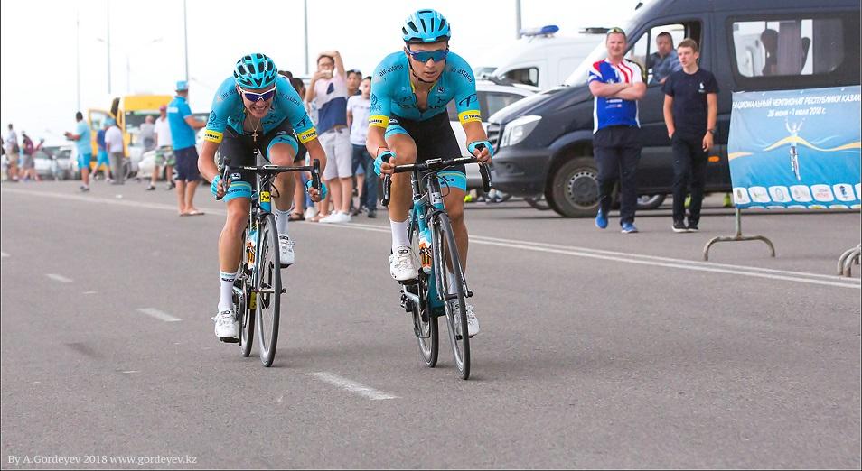 «Вуэльта Андалусии» - два гонщика «Астаны» на заднем колесе у лидера