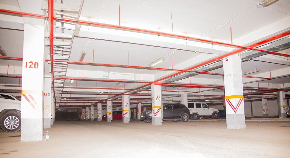Паркинги в жилых комплексах Нур-Султана не востребованы
