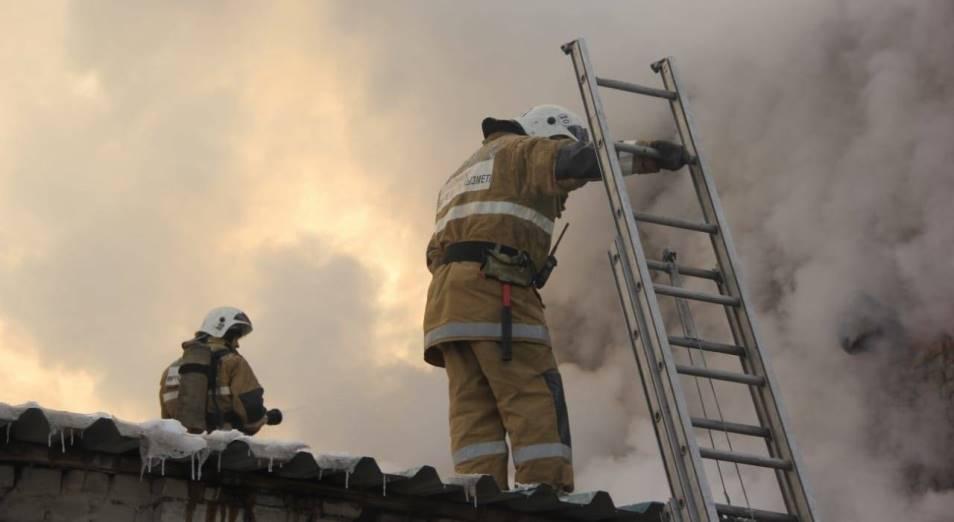 В Усть-Каменогорске локализован пожар на маслозаводе
