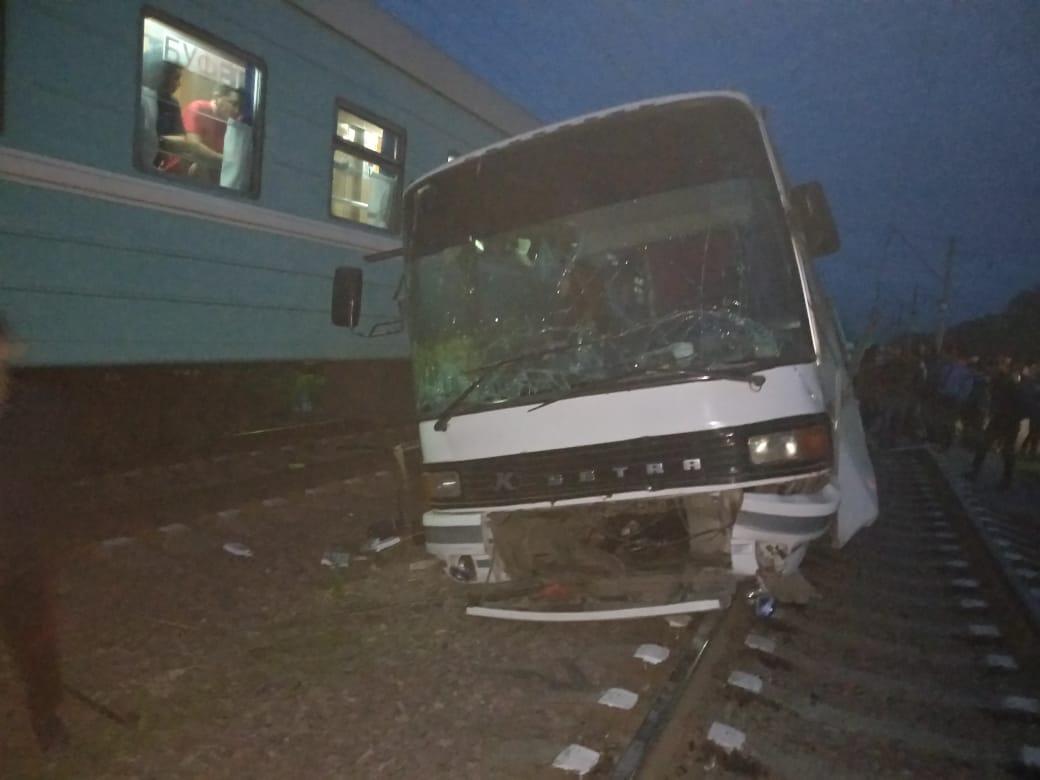 Автобус жүргізушісі оқиға орнында қаза тапты