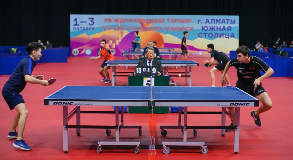 Фоторепортаж с Международного турнира по настольному теннису «Южная столица»