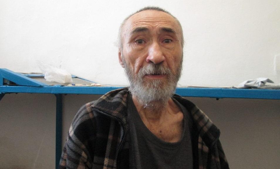 Ақын Арон Атабек мерзімінен бұрын бостандыққа шықты
