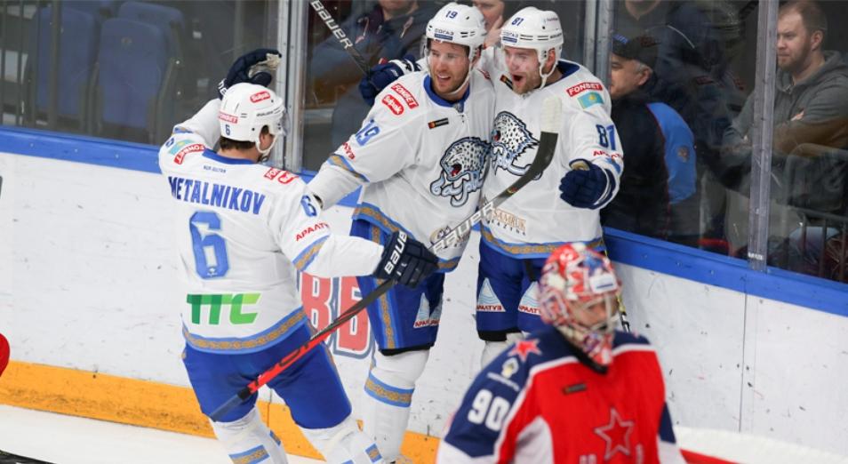 «Барыс» в гостях обыграл лидера регулярки КХЛ