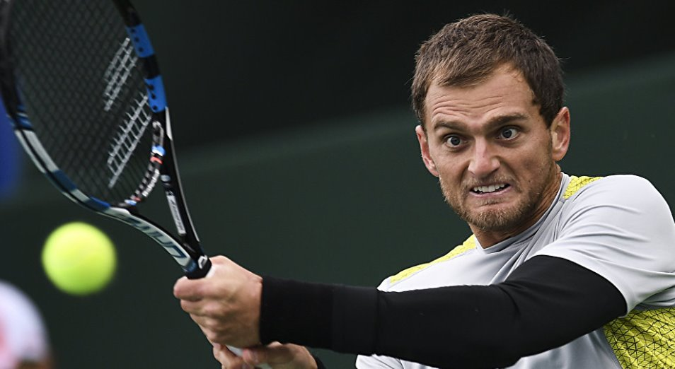 Недовесов вышел в полуфинал парного разряда «Челленджера» в Чехии