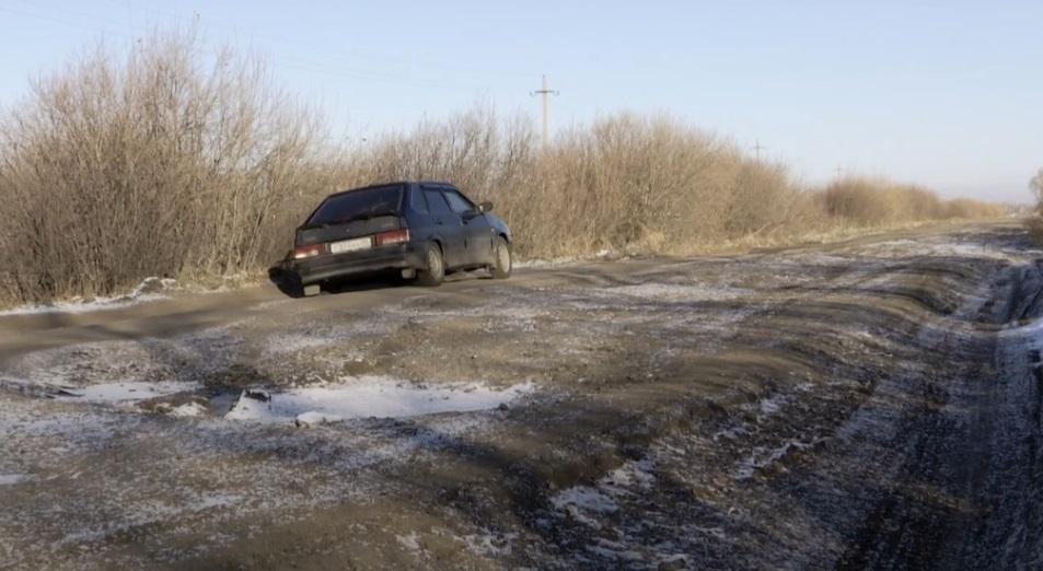 Километры разрухи: почему дороги на севере Казахстана не выдерживают проверку временем?