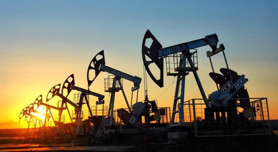 """Нефть """"устаканилась"""" в цене в ожидании эффекта от борьбы с пандемией"""