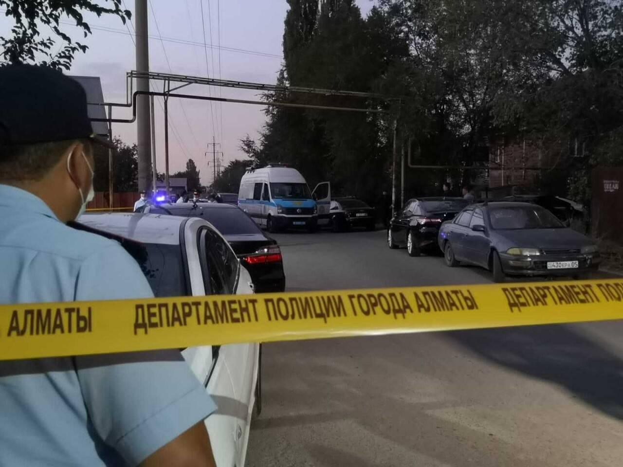 Пятым погибшим при стрельбе в Алматы был друг нового хозяина дома
