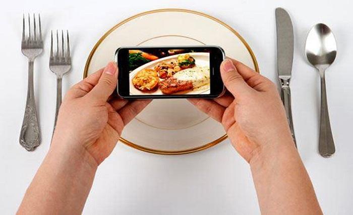 Поесть с помощью смартфона