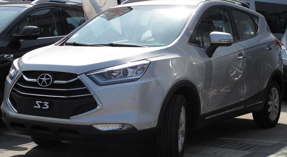 В Душанбе покупают китайские автомобили казахстанской сборки
