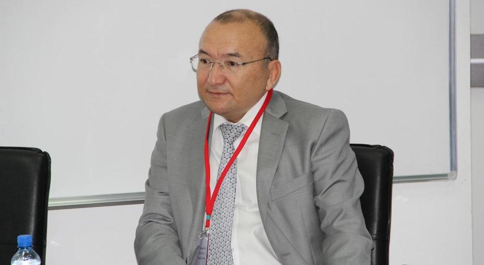 Асылбек Кожахметов: «Не надо молиться на зарубежное образование», Асылбек Кожахметов,AlmaU,MBA
