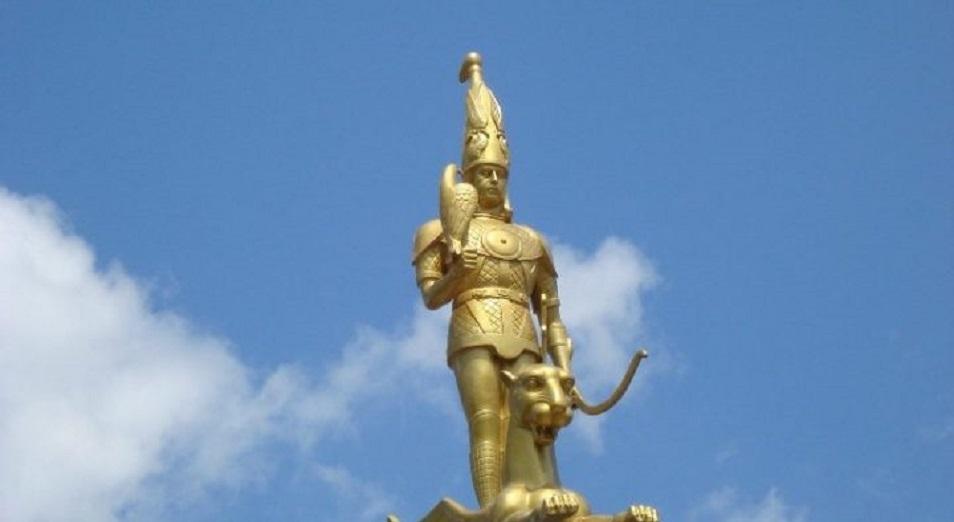 Акимат Актобе требует снести скульптуру Алтын адам , акимат,Актобе,Скульптура,Алтын адам,суд,Предпринимательница,НПП Атамекен,Золотой человек