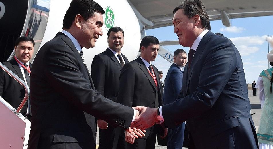 Казахстанские строители доберутся до Туркменистана