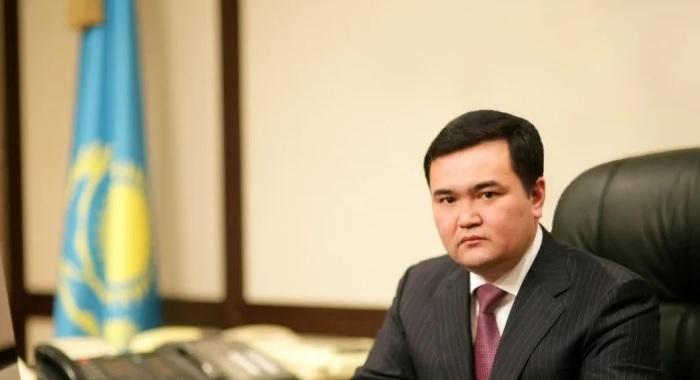 Водителям Казахстана пообещали больше классных дорог