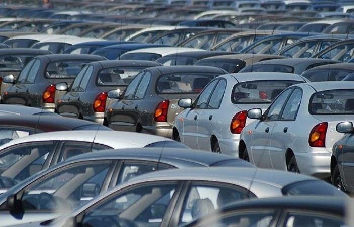 В Казахстане снизились продажи новых авто