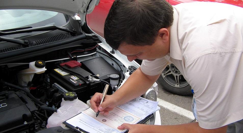В июле авторынок притормозил, Авто,АКАБ,Toyota,седан,LADA,Ravon,внедорожники