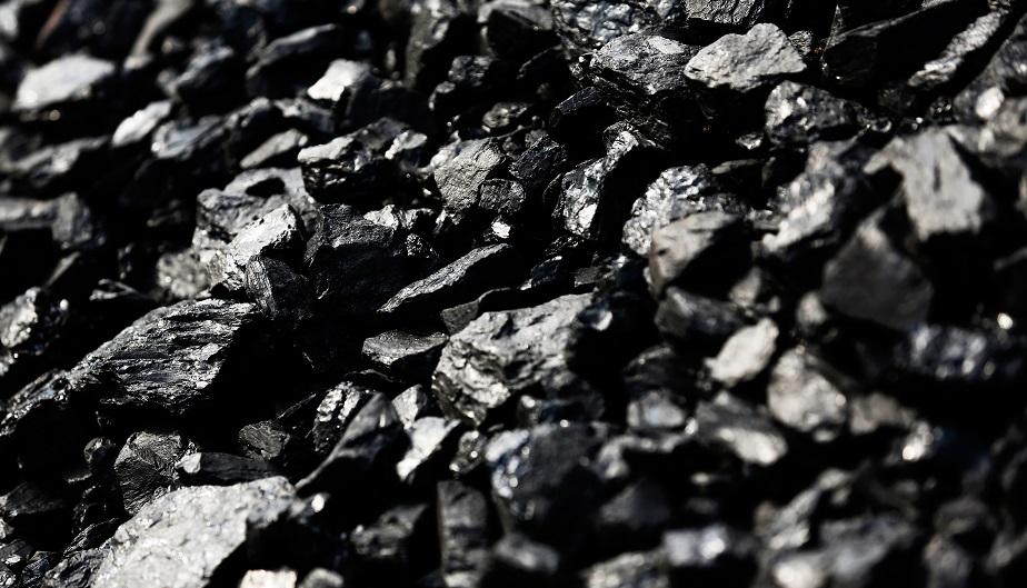 Китай в январе-октябре увеличил добычу угля на 0,1%, импорт упал на 8,3%