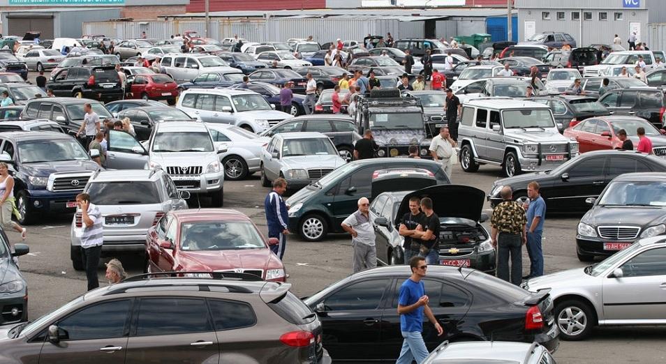 Совет ЕЭК продлил срок временного ввоза на территорию ЕАЭС автомобилей физлиц