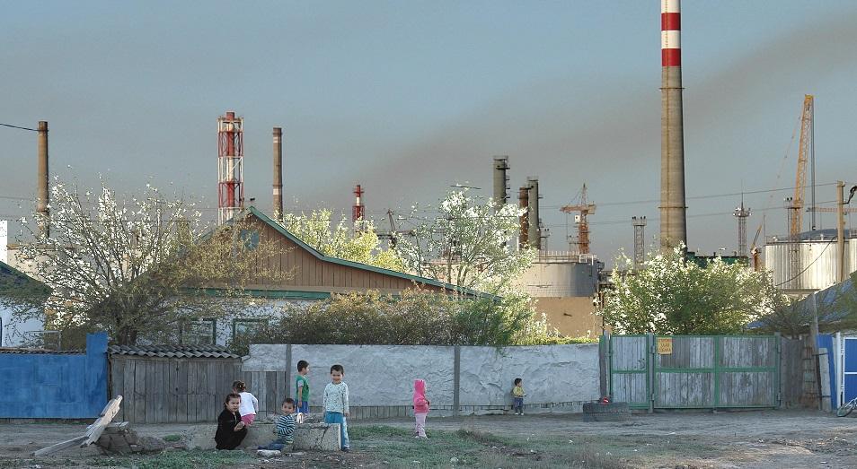 Заводы в Казахстане заставят считать выбросы