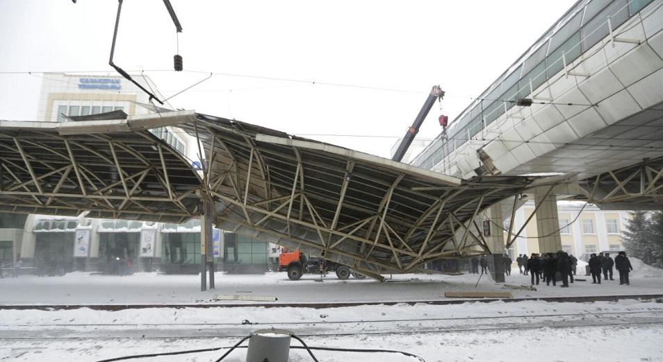На перроне вокзала Астаны обрушился навес