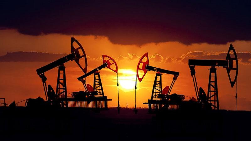 Нефть подешевела до минимума за три недели
