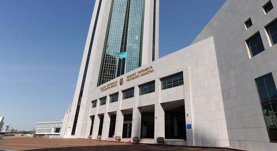 ФПК перейдет в ведение правительства, ФПК,Фонд проблемных кредитов,правительство,сенат,Нацбанк,Олег Смоляков