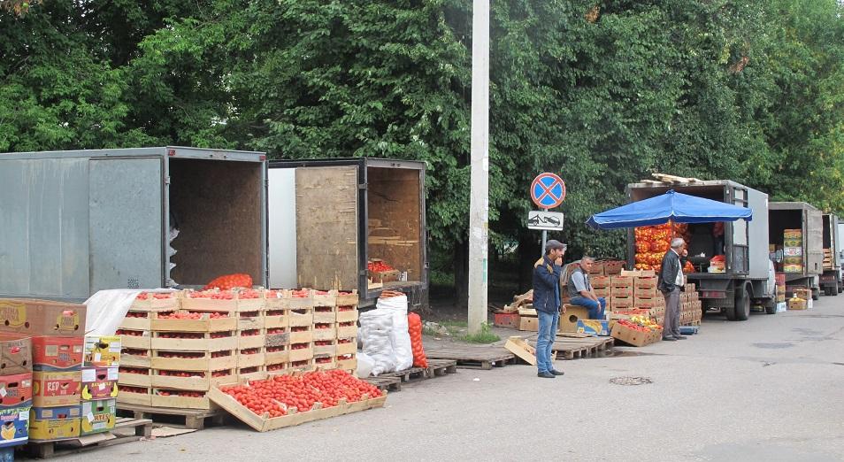 В Казахстане хотят запретить торговлю с фур, АПК, торговля, Шымкент, Атамекен, Динмухамед Абсаттаров, ОРЦ, МСБ