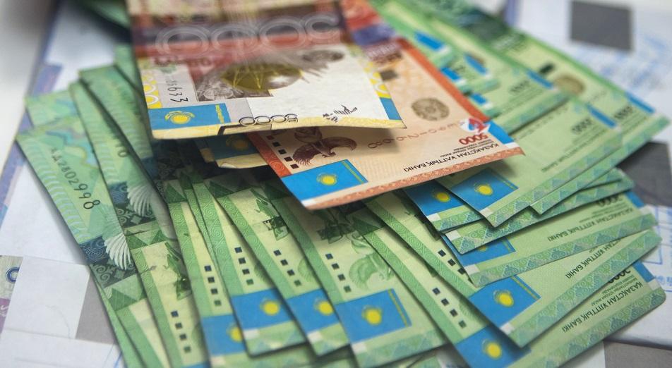 Нацбанк Казахстана открестился от импорта инфляции из России, Нацбанк,Тенге,рубль,Нефть,Виталий Тутушкин,KASE,Halyk Finance,ВВП,Brent,Бюджет