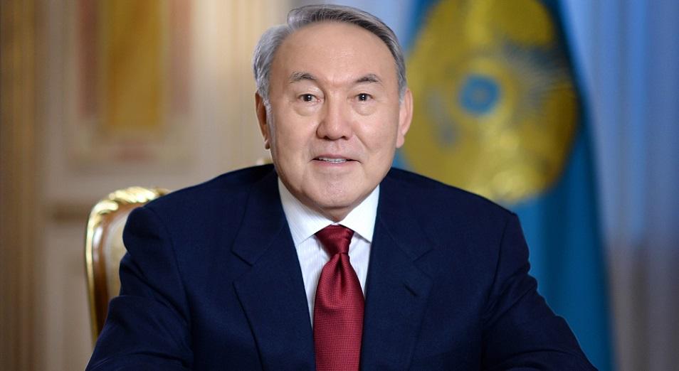 Назарбаев поздравил казахстанцев с Первомаем