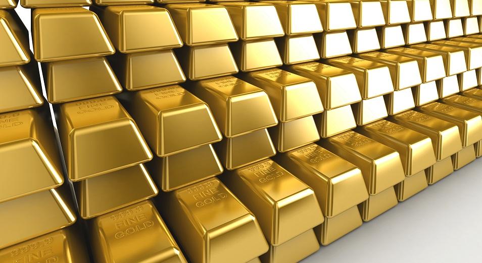 Казахстан продолжает скупать золото