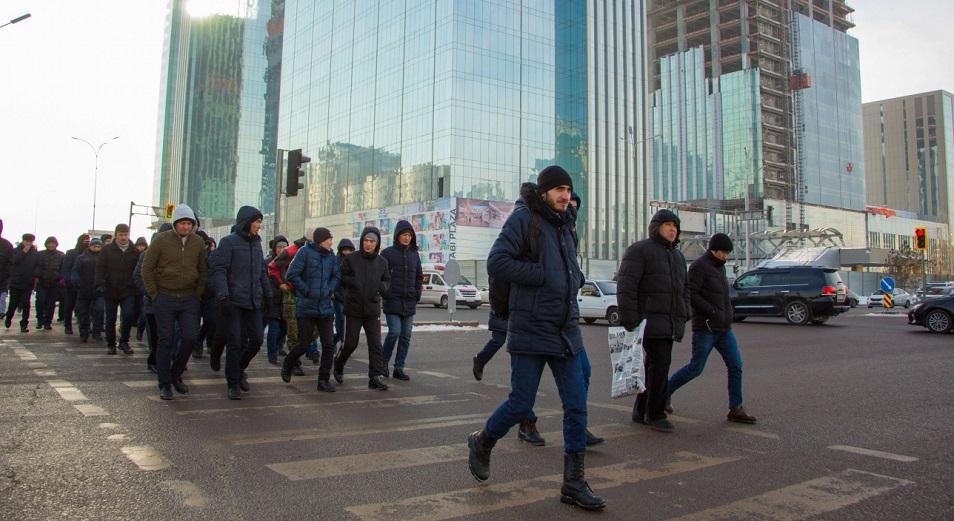 Внештатный «Абу-Даби Плаза», Абу-Даби Плаза, Рабочие, Астана, Нұр Отан