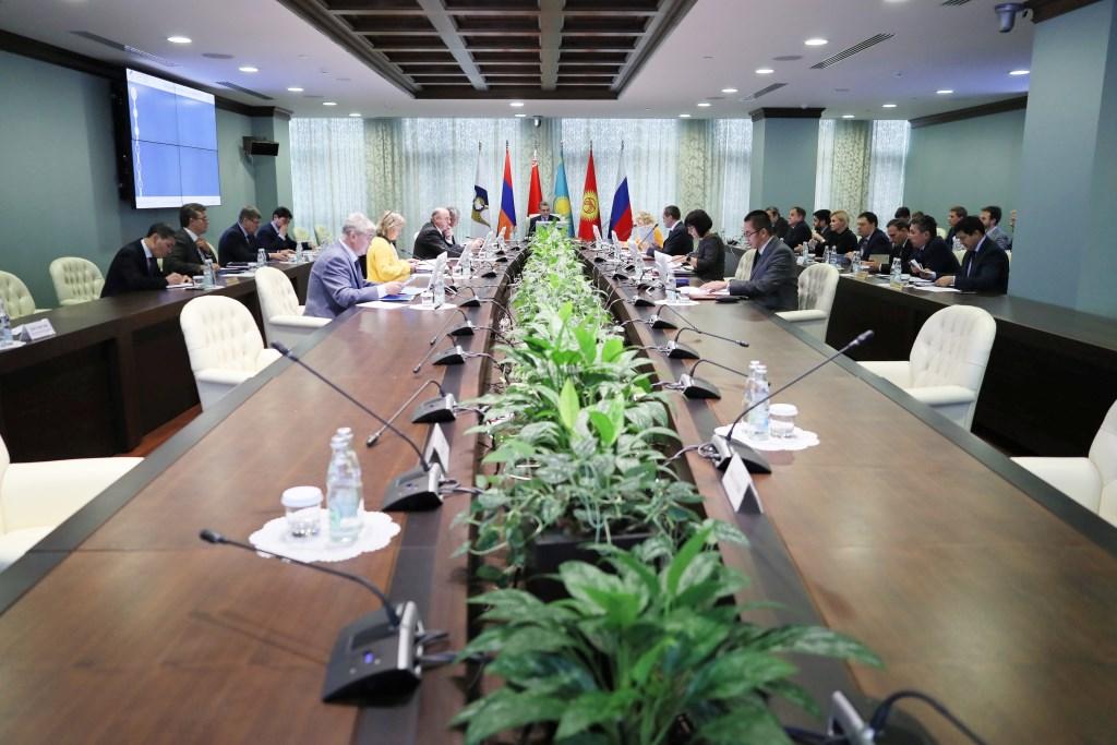 ЕЭК установила тарифные квоты на вьетнамский рис