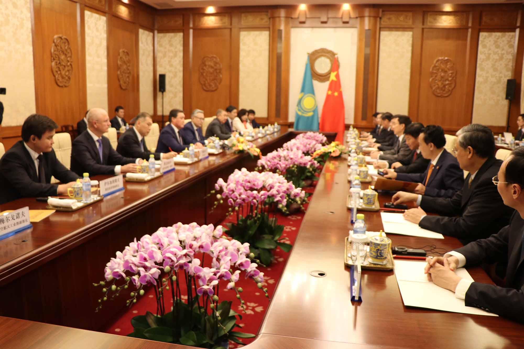 Казахстан и Китай договорились о реализации проектов на $1,9 млрд