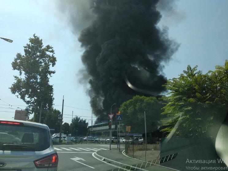 В результате взрыва в Болонье пострадали не менее 20 человек