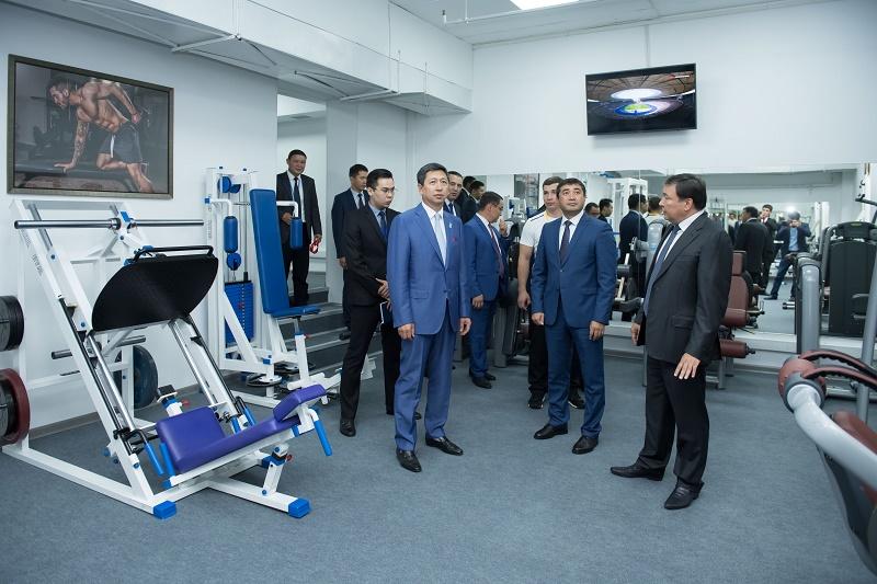 Госслужащие в Астане смогут посещать тренажерные залы, не покидая Дома министерств