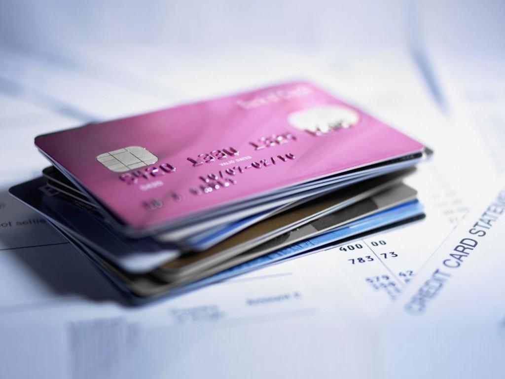 Казахстанцы всё активнее осваивают банковские карты и переходят на безналичные платежи , Казахстанцы , Банковская карта, Банк, деньги