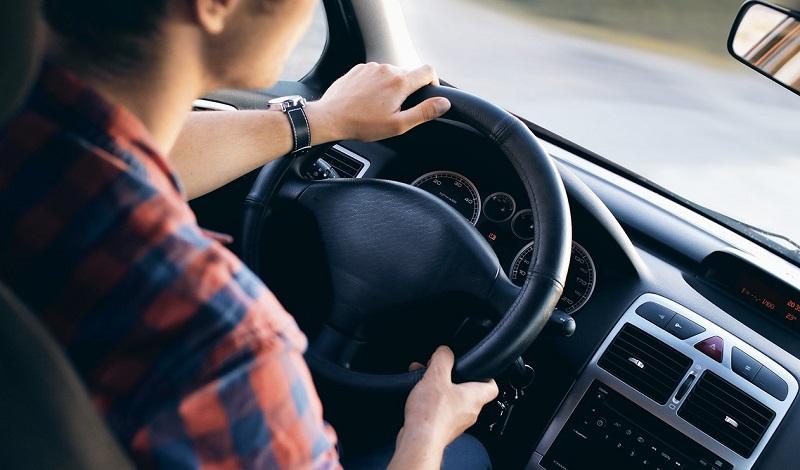В Астане на 18 тысяч тенге обманули водителя inDriver