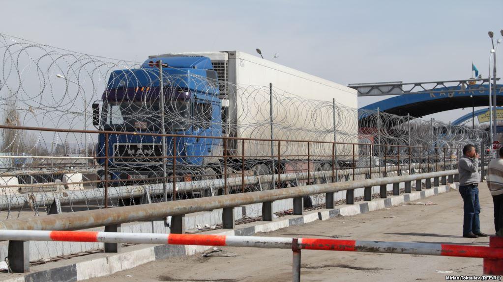 Автомобильный пункт пропуска на 2500 авто начал работу на казахстанско-китайской границе