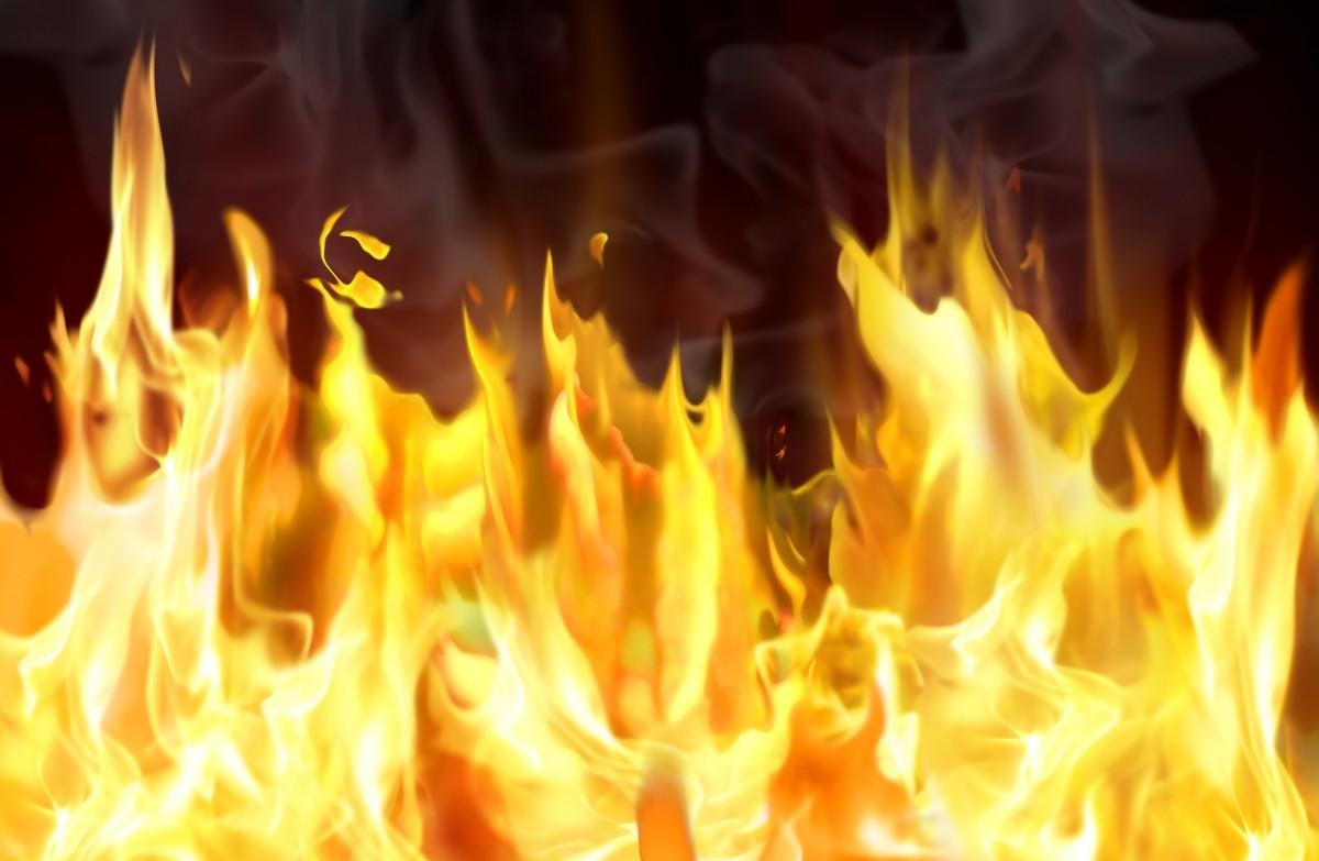 Крупный пожар в Алматы пытаются потушить третий час, пожар, Алматы