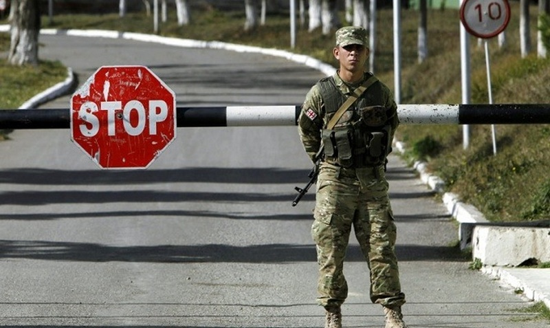 Очередь из автомашин на границе Казахстана и Узбекистана сократилась