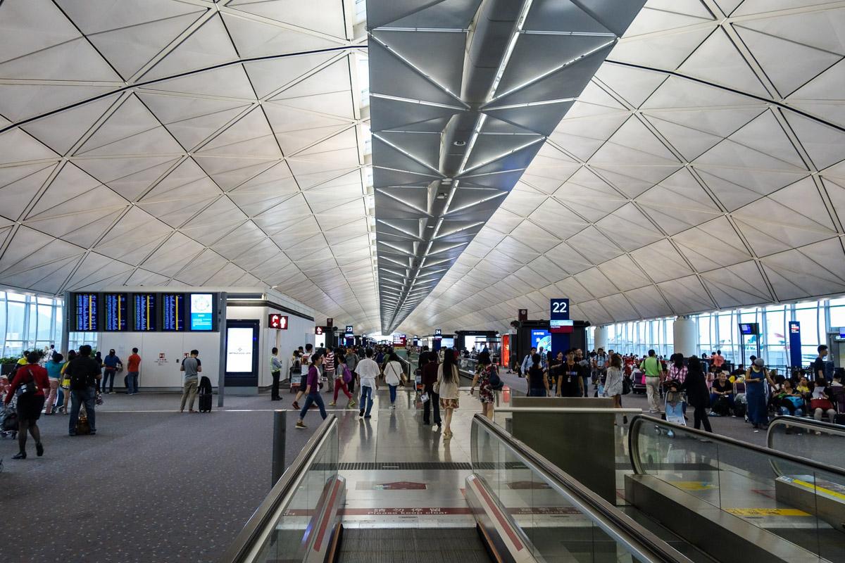 "Сотни авиарейсов отменили в Гонконге из-за тайфуна ""Мангхут"", Авиарейс, отмена  , Гонконг, Тайфун"